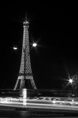 Luz (APPJ) Tags: bw paris france canon eos nb bynight toureiffel concorde nuit appj
