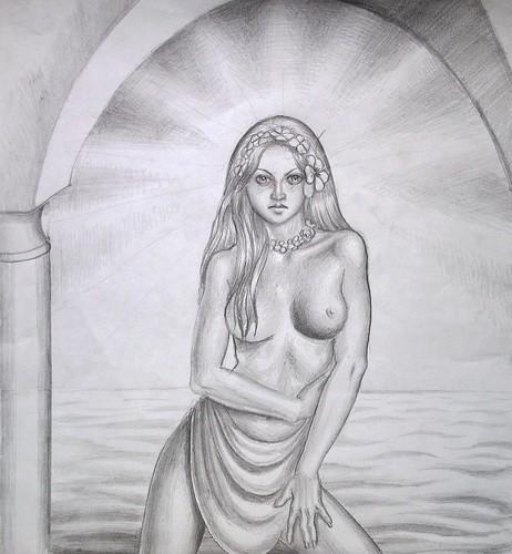 Femeie frumoasa cu marea in spate