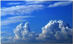 Calming the Sun / Tranquilizando al Sol (SantiMB.Photos) Tags: barcelona sky espaa clouds spain shapes cielo nubes catalunya formas soe garraf onblue cubelles abigfave picswithframes diamondclassphotographer flickrdiamond top20blue superlativas betterthangood