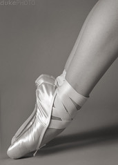 arc of a dancer (matt duke) Tags: ballet sepia shoes fortcollins dancer xandra explored interestingness470 strobist mattdukephoto