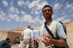 Palmyra - good price (CharlesFred) Tags: peace desert roman middleeast hospitality siria syrian honour  syrien romanruins suriye  syrianarabrepublic  sirie balmera   shoufsyria  palpalmyra   welovesyria aljumhriyyahalarabiyyahassriyyah siri