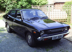1977 Datsun 120Y (Simon Collison) Tags: sedan 1977 datsun 120y b210a