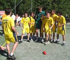 Axel poppis bland brassarna (Tyrold P90) Tags: tomas schmidt handball tyres handboll handebol hndball partillecup tyrold andeboll tomasschmidt