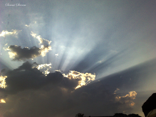 angel rays by Swami Stream, on Flickr