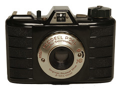 f_luxus (ricksoloway) Tags: cameras photohistory oldcameras photographica vintagecameras cameraportraits cameracollecting camerawikiorg