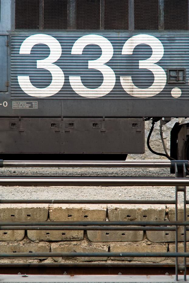 tren tres tres tres