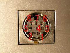 miniDIN 8pin female connector