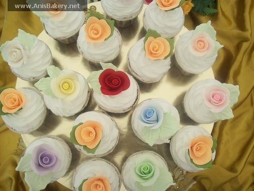 wedding cupcakes - by AnisBakery.net