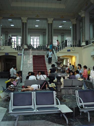 Taskent airport transit lounge