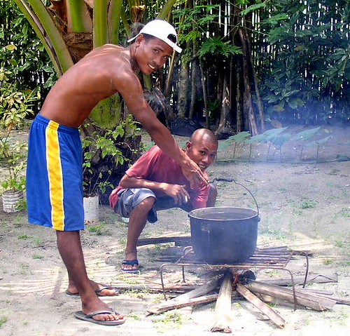 Siargao Island, Surigao del Norte lechon roasting preparation boiling water  Buhay Pinoy Philippines Filipino Pilipino  people pictures photos life Philippinen