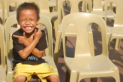 Ngiting Quiapo (Leon B. Dista) Tags: street plaza kid child manila bata miranda quiapo kabataan kalsada kalye leonbdista