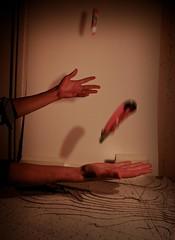 žongliravimas prie maketo (Edmis) Tags: me model 365 juggling juggler mak project365 joging maketas zongliravimas zongliruoti