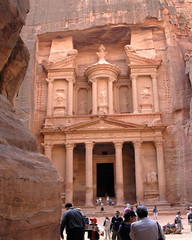 The Treasury Building in Petra (marantzer) Tags: digital nikon petra unesco worldheritagesite jordan d200 dslr dx rekem nabataeans afsdxvrzoomnikkor18200mmf3556gifed  rockcutarchitecture newwondersoftheworld marantzer albatrbarchaeologicalsite