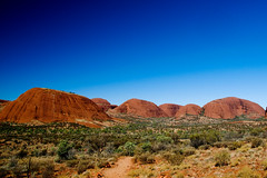 Glorious Red Center (nosha) Tags: park blue red vacation sky holiday nature beauty rock nationalpark nikon oz centre australia center creativecommons uluru kata tjuta lovely aboriginal katatjuta redcenter northernterritory d300 redcentre noworries nosha australia2008