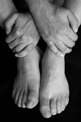 B #26 Hands And Feet (just.Luc) Tags: bw man male feet hands mani manos uomo pies pieds mains piedi hombre handen homme zw voeten