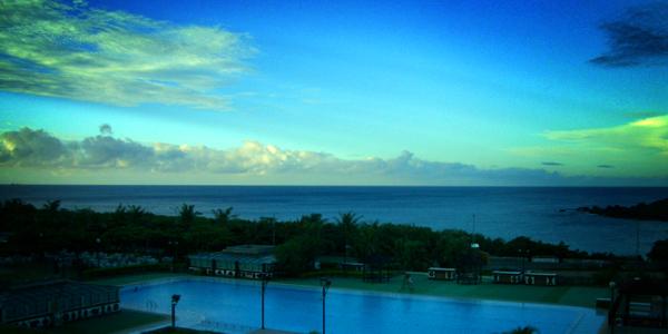 凌晨六點的墾丁福華渡假飯店窗景