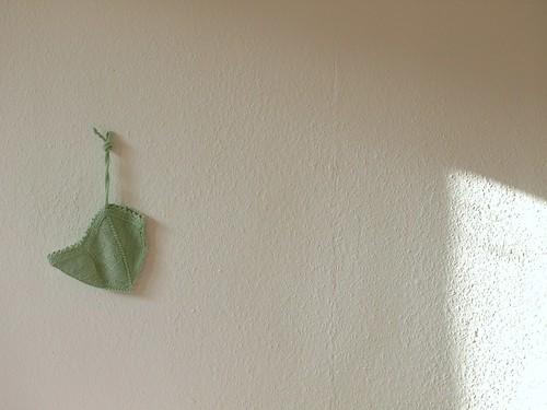 cap. hanging.