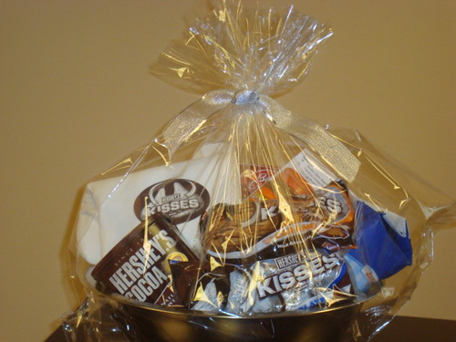 Wrapped_Hersheys_Baking_Gift_Basket