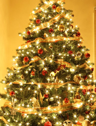 Do you decorate your Christmas tree with white or colored ...