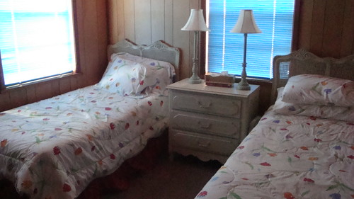 Cabin 02-09 010