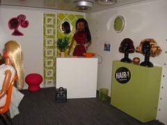 House 2: hair salon (Deejay Bafaroy) Tags: startrek miniatures doll furniture barbie hairsalon wigs coiffeur hairdressers uhura dollhouse dioramas 16scale