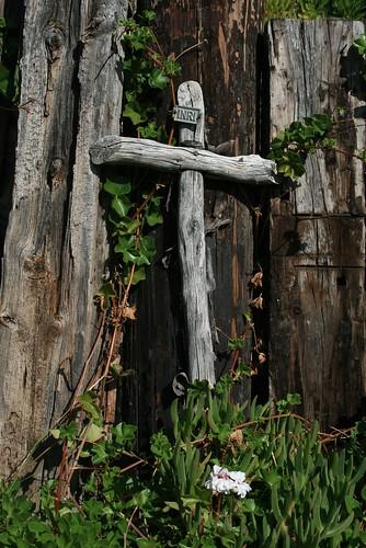 Serra Cross