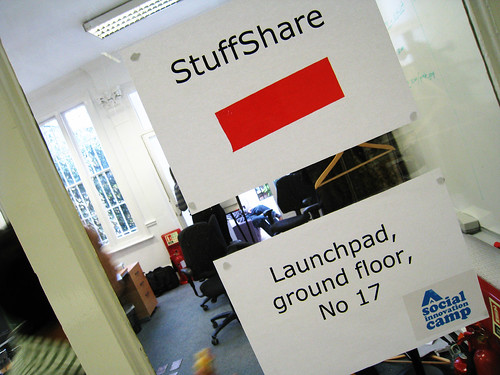 StuffShare sign (by Aleksi Aaltonentream)