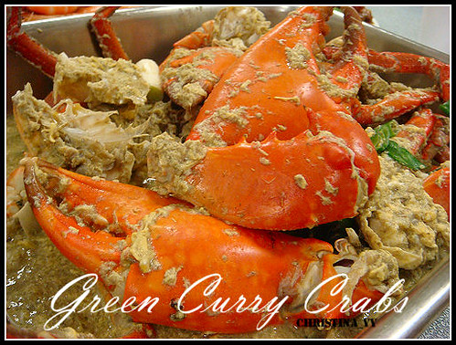 Gathering Dinner: Green Curry Crabs