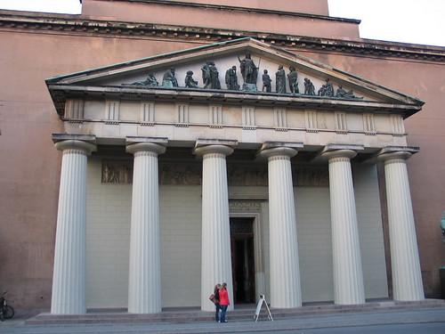 Front of Vor Frue Kirke