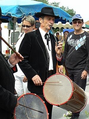 galoubets et tambourins.jpg