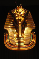 Tutankhamen Mask (Elliott Bignell) Tags: gold golden mask egypt pharaoh mummy mummies tutankhamen ancientegypt tutankhamun tutanchamun gravegoods tutankhamenausstellung tutankhamunausstellung