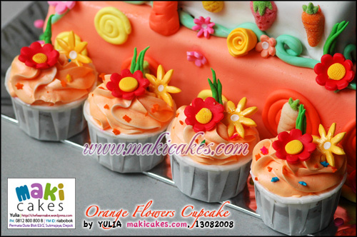 Orange Flowers Cupcakes - Maki Cakes