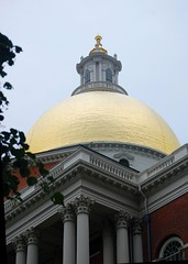 Massachusetts State House Dome (mimicapecod) Tags: boston massachusettsstatehouse thepritzkerarchitectureprize betterthangood grrreatworks elderhostelphotowalk