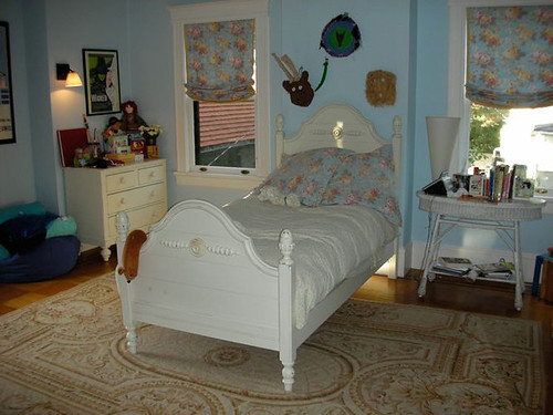 Kids furniture, classic white bed