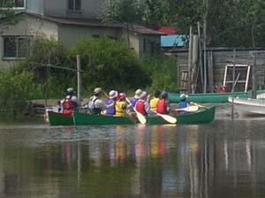 釧路川下りツアーのカヌー