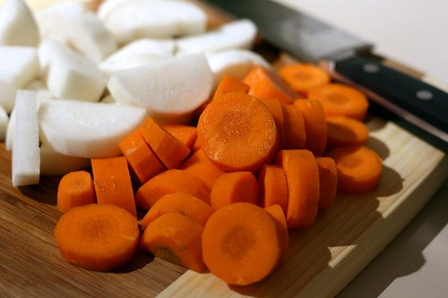 Sliced carrot and daikon