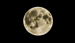 Full moon (Maria Berggrd Silow) Tags: moon lund sweden sony full alpha 700