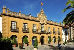 oviedo hotel de la reconquista (R.Duran) Tags: españa hotel spain nikon espanha europa europe asturias oviedo fachada espagne façade d300 asturies reconquista 18200mm 18200mmf3556gvr