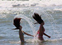 Hair Splash (tioguerra) Tags: ocean girls sea brazil woman sun beach wet water girl rio hair grande frozen droplets drops movement women do action air sunny atlantic bikini freeze helena splash rs sul albatroz francine spatter splashing spattering halt halted tramandai imbe selbach
