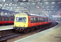 101 DMU - Glasgow Central. (Renown) Tags: scotland trains railwaystation railcar railways railroads dmu glasgowcentral railbus multipleunit metrocammell class101 strathclydepte