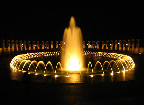 fountain at ww II memorial