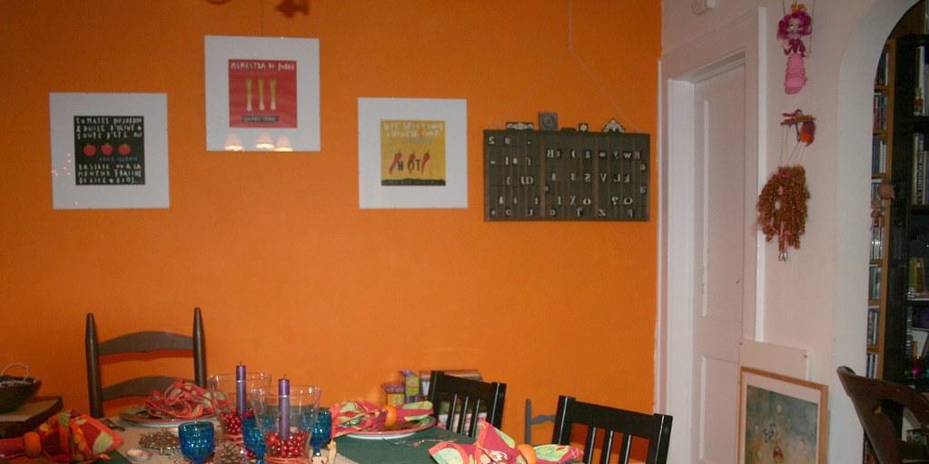 Navel wall, dining room