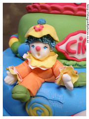 Circus cake (close-up) 1 (Dragonfly Doces) Tags: cake colorful circo circus clown pasta americana bolo japo bolos palhao fondant colorido gumpaste