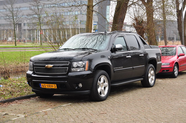 auto chevrolet car gm chevy suv avalanche