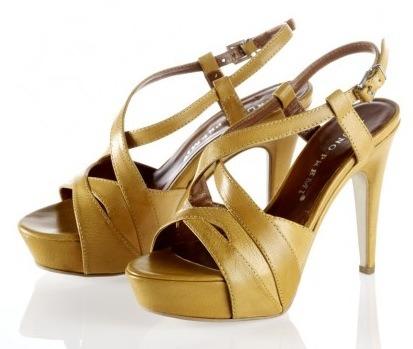 27c570fa5ac Calzado para mujer verano 2010, zapatos para mujer de Bruno Premi