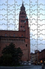 il torrazzo (Liberty Place) Tags: italy europa europe italia belltower puzzle campanile piazza middleages lombardia italie cremona torrazzo fotoincatenate mywinners dumprnet anticando