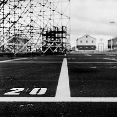 - venti - (Piedone_N47) Tags: urban bw italy rolleiflex zeiss italia bn rodinal asphalt asfalto bianconero ravenna quadrato romagna marinara marinadiravenna bncitt 6x6fotografiaanalogicaitalia