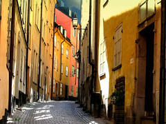 Stockholm - Street in Old Town, Gamla Stan (Olof S) Tags: street old city wallpaper urban house building stone architecture facade canon square photography town is photo calle interesting construction arquitectura alley scenery europe cityscape view sweden stockholm strasse schweden edificio picture haus ciudad swedish powershot cobblestone stadt paving gamlastan nordic sverige scandinavia altstadt oldtown btiment gebude oldcity estocolmo hus stad suede suecia vieux narrowstreet senso pavingstone svezia grnd szwecja fasad byggnad  abigfave a590 ockra a590is