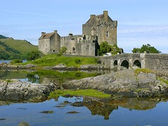 Eilean Donan Castle (Madebycedric) Tags: travel castle art nature outdoors scotland interesting colorful day tripod picture explore highland photograph popular majestic eilean donan eyecandy lochness eileandonan cdric lochalsh lochduich eileandonancastle castlescotland interestingpictures lochnessscotland eileandonancastlescotland eileandonanscotland madebycedric cdricpaul madebycdric cedricpaul photoscdricpaul cdricpaulphotos cedricpaulphotos cdricpaulparis madebycdricparis
