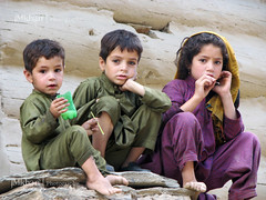 Innocent Kids (iM Khan) Tags: pakistan people cute beautiful kids children innocent valley kashmir lovely azad canonpowershots3is pakistaniphotographer imkhan taobutt nellum theotherpakistan
